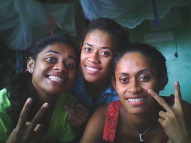 Sister, Sister, Sister!
