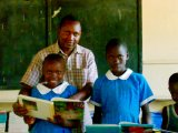 dan helping kids with reading @the SYRC