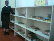 Pamela in the library (7)