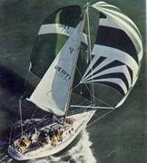Ericson 35-2 Sisterships under sail