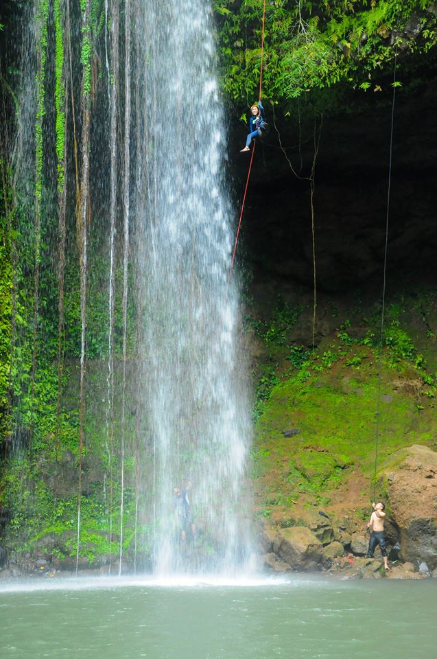 Rapelling on a 100meter falls