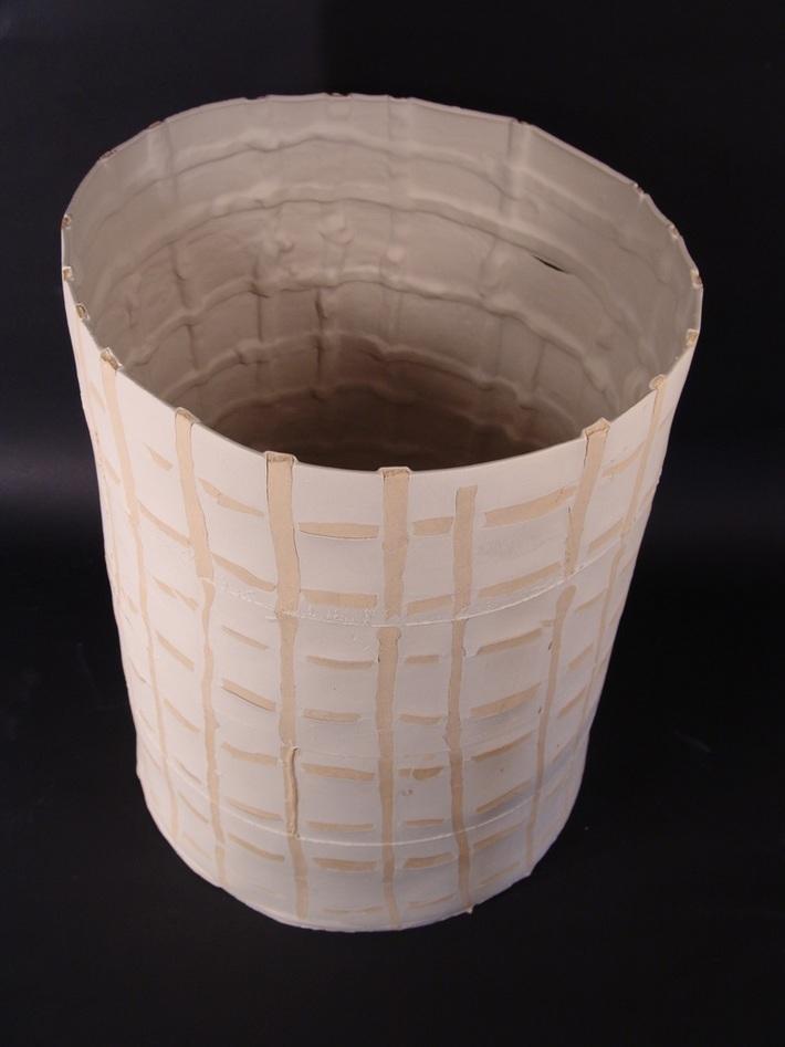 2. 'Structured Qualia' semi-porselein en steengoed, 50 cm dia- 80 cm H, 2010