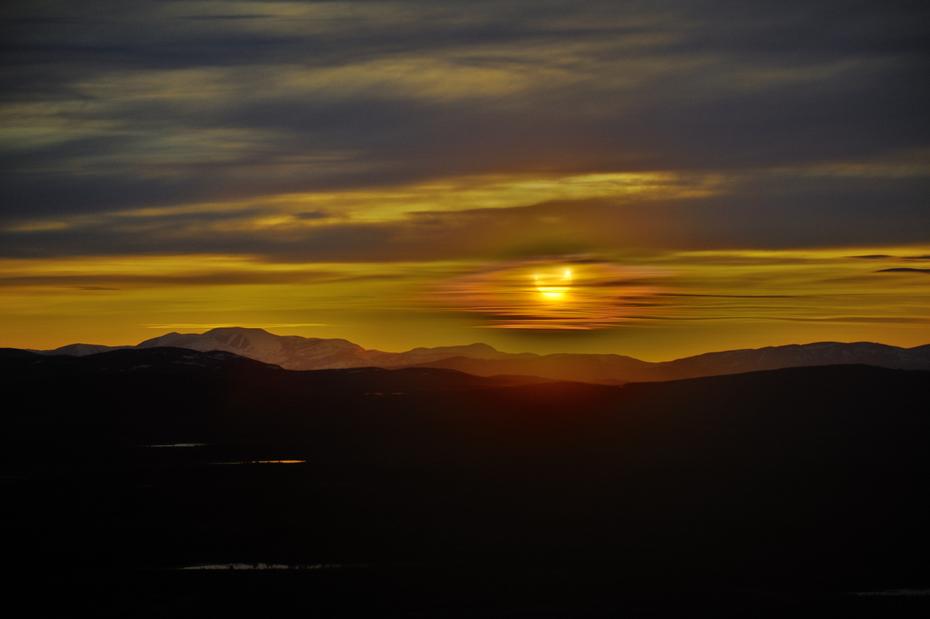 Midnight eclipse of the sun