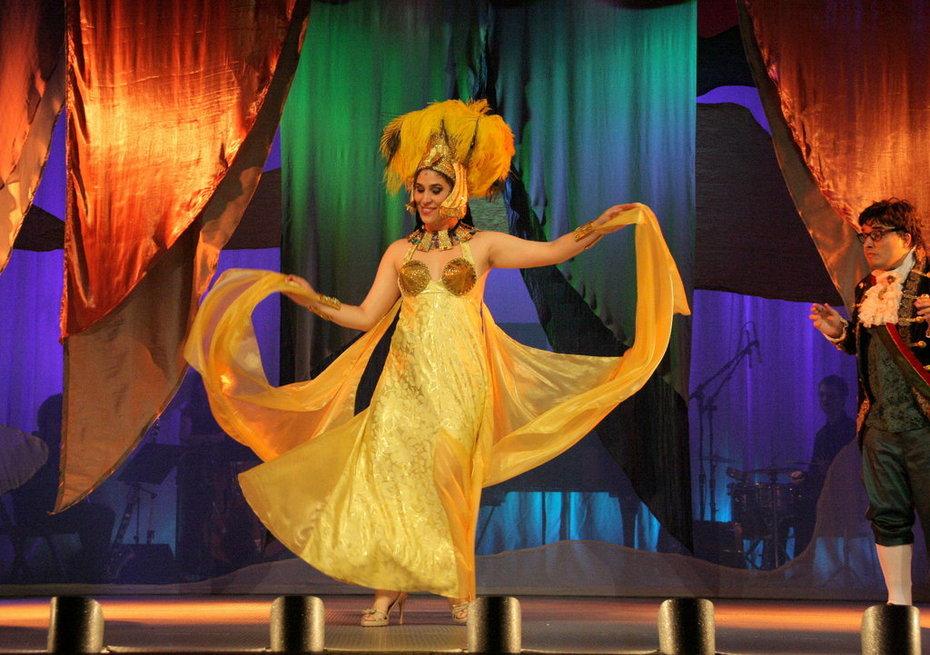 Microscópera Carioca ATO IV - Fantasia de Carnaval - Carolina Faria e Daniel Soren