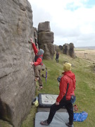 Mob bouldering meets, one way to beat the midges