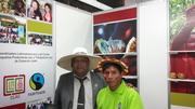 Fabian Zapata junto a productor de cacao awajun de Amazonas