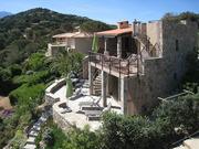Ferienhaus und Terrassen