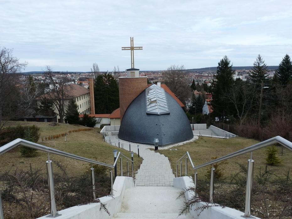 Árpádházi Szent Margit templom, Sopron, Lövérek