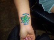 girly clover tatoo