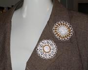 sol lace: brooch Mandala