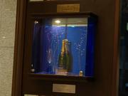 壁にはメルシャンお勧めのワイン・シャンパン