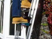 Perfect descending angle for extension ladders