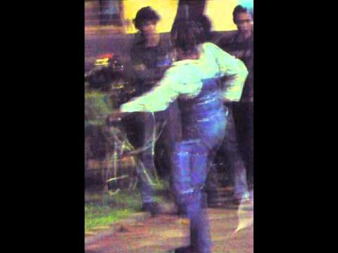 performance art ridwan rau rau at museum bank mandiri 2010.wmv
