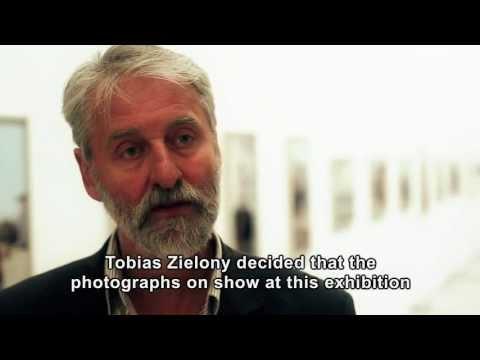Berlinische Galerie: Tobias Zielony. Fotografien. Jenny Jenny (English Subtitles)