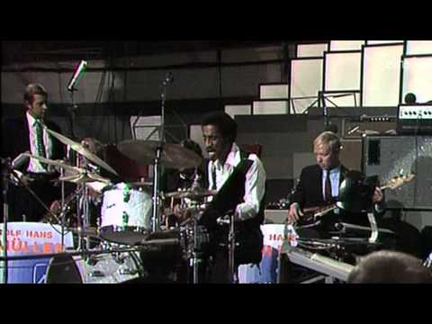 Sammy Davis Jr.plays Drums and Piano