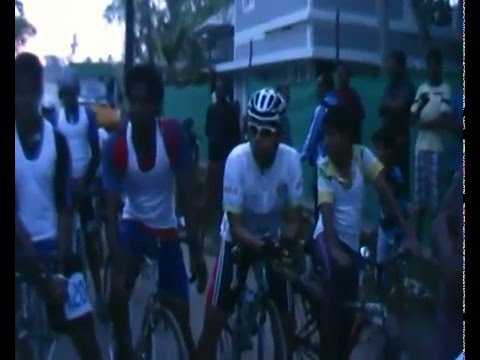 2012 Dec Cochin Carnival Bike Race - start.