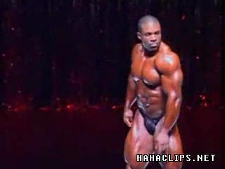 Gay Muscle Flex