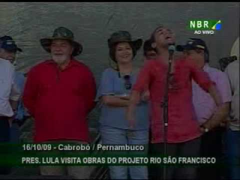 Trovador canta as belezas do sertão