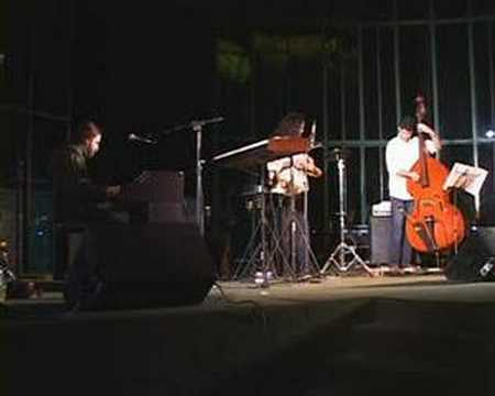 Leo Rugero trio - Leo Rugero/Anderson Sabadine/Felipe Depoli