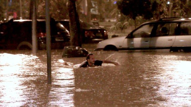 Uma visão poética da enchente no Rio