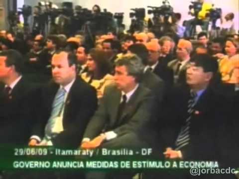 Este vídeo traça uma cronologia da crise mundial (2008-2009) sob a ótica da imprensa brasileira e da oposição ao governo Lula, do PT.