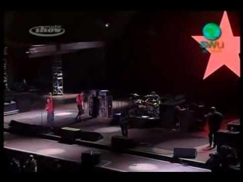 Rage Against the Machine dedica música ao MST em show em São Paulo