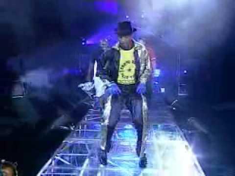 Anderson Silva dança Michael Jackson