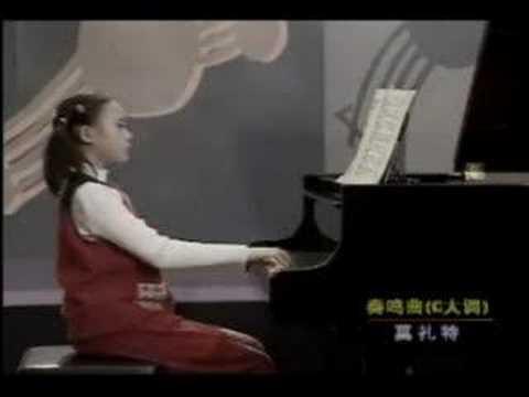 Mozart k545 by Yuja Wang
