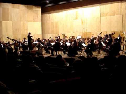 Sinfonia Monumental - A Marcha dos Candangos - Hamilton de Holanda e OSTNCS.wmv