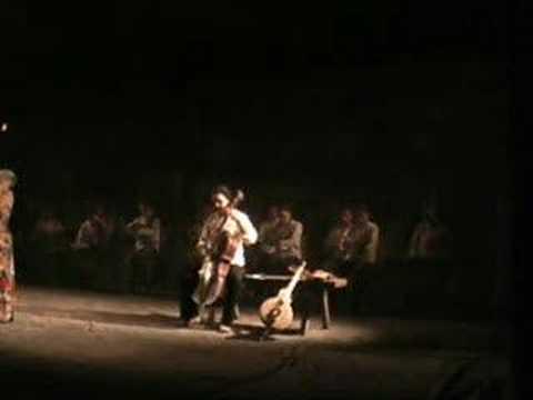 TRENZINHO CAIPIRA - Heitor Villa Lobos - Orquestra de Rabeca