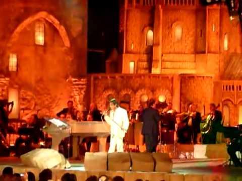 Roberto canta Jerusalém de Ouro (PT-Hebraico)