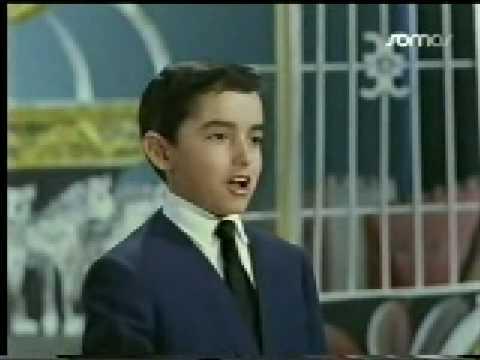 """Joselito canta """"Granada""""."""