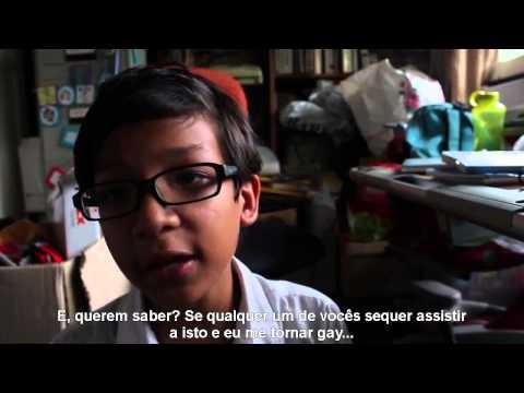 Garoto de 12 anos desabafa sobre bullying homofóbico e diz não ser gay