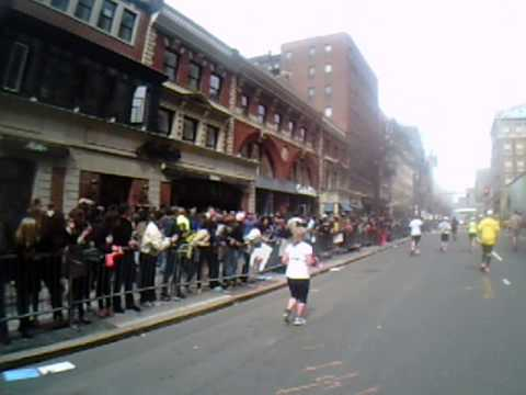 Boston Marathon: Explosion From Marathoner's Point of View