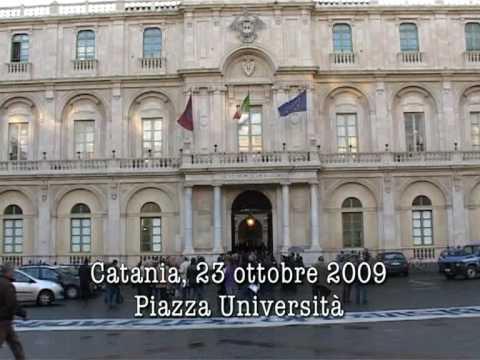 Gruppo Azione Risveglio - CT 23.10.2009 Azione contro laurea honoris causa a Francesco Caltagirone