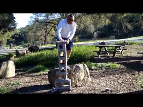 Grandmaster Irving Soto *Iron Palm Break * Through 60 inches of Cinder block-当身格