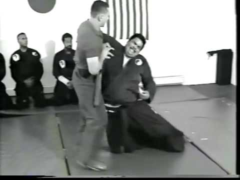 SOKE GRANDMASTER I. SOTO  Handgun techniques and fast kicking