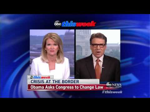 Rick Perry Clashes with ABC's Martha Raddatz on Immigration
