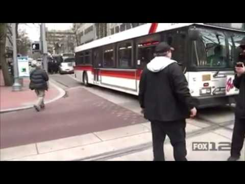 Portland, Oregon Police QUICKLY Stop And Arrest Protestors Who Were Trying To Stop A Public Bus