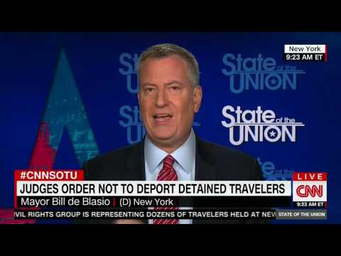 Bill de Blasio Has Trouble Differing Trump's Immigration Policy With Obama's