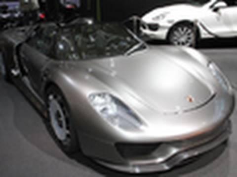 Porsche 918 Spyder Concept Featurette