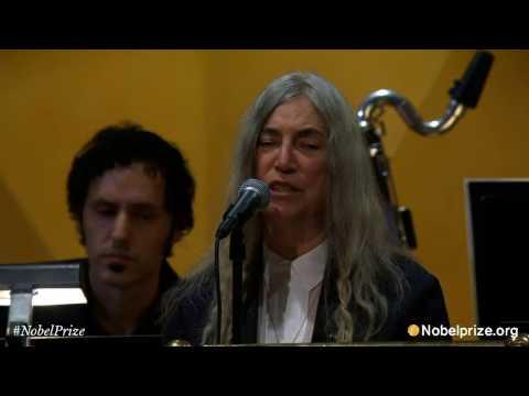 Patti Smith - A Hard Rain's A-Gonna Fall   (ceremonia Nobel 2016)