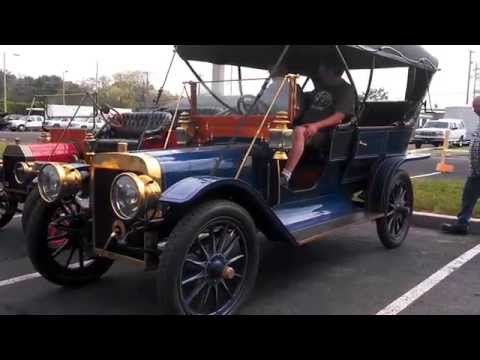 Ford Model K pulls in next to a T