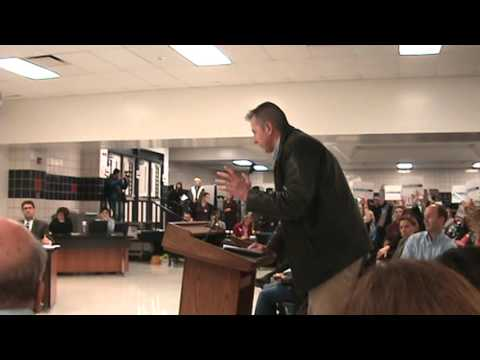 Angry Dad addresses SD211 school board regarding mixed-sex locker rooms
