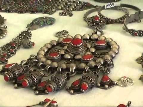 "fête du bijou kabyle ""ath yenni"""