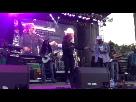 """Beres Hammond & Marcia Griffiths """"Live On"""" Live in NYC"""