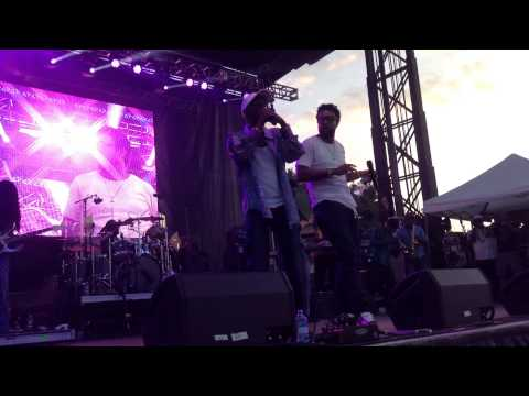 """Beres Hammond & Shaggy """"Can't Fight This Feeling"""" Live in NYC"""