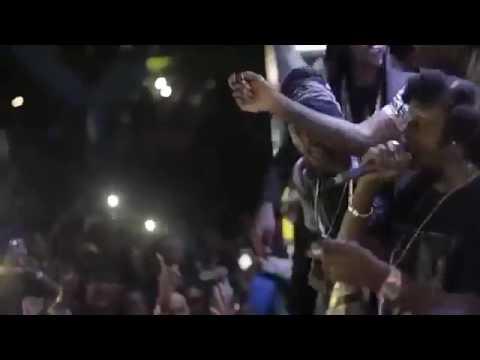 Popcaan Calls Alkaline Batty Wash Boy During Performance