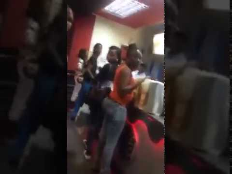 Badman in Jamaica get Mad In BURGER KING look what happens August 2017