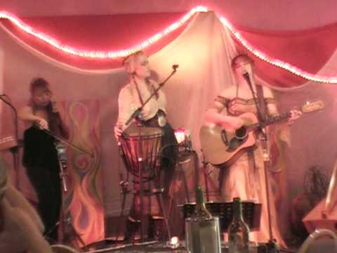 Dust in the Wind, sung by Tahlia & Ingrid Racz 4/2007